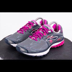 Brooks Ravenna 5 Women's Shoes Size 10B